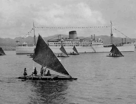 Camakau-and-royal-yacht1-540×412